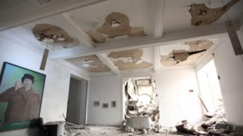 La casa de Saif Al Arab Gadafi, el hijo más joven de Muammar Gadafi, fue...