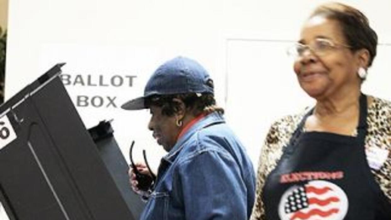 Los electores sufragarán en aparatos de este tipo en 11 estados, y en ot...