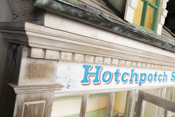 La 'Hotchpotch House' es una pequeña construcción hecha completamente a...