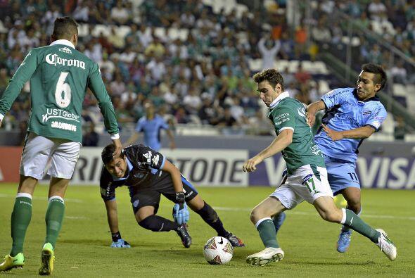 Boselli fue protagonista con León y tuvo varias aproximaciones a gol que...