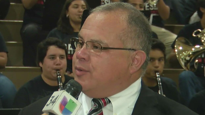 Líderes del futuro: los esfuerzos de la Artesia High School para fortale...