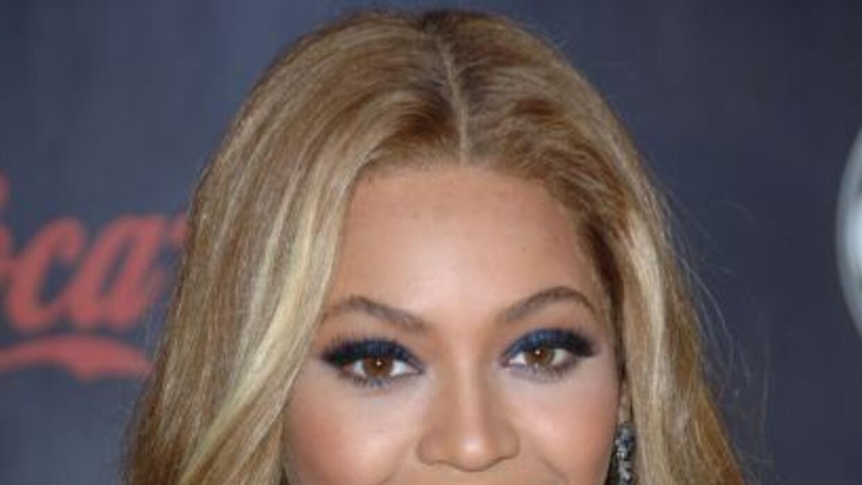 Beyoncé dedica su nueva fragancia 'Heat' a sus fans. La diva es la celeb...