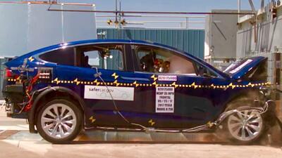 Prueba de choque frontal de la Tesla Model X 2017