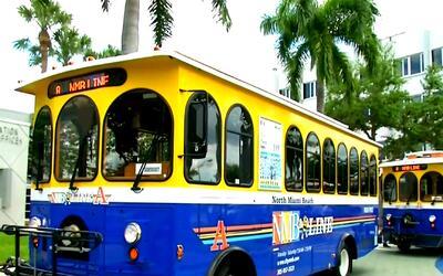 Dos vehículos 'trolley' de NMB Line comienzan a circular en North Miami...