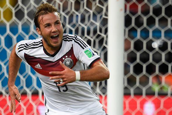 Mario Goetze, anotador del gol con el que Alemania derrotó a Argentina e...
