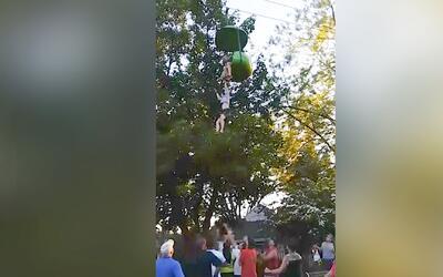 Autoridades aseguran que la niña que cayó de juego mecánico habría causa...