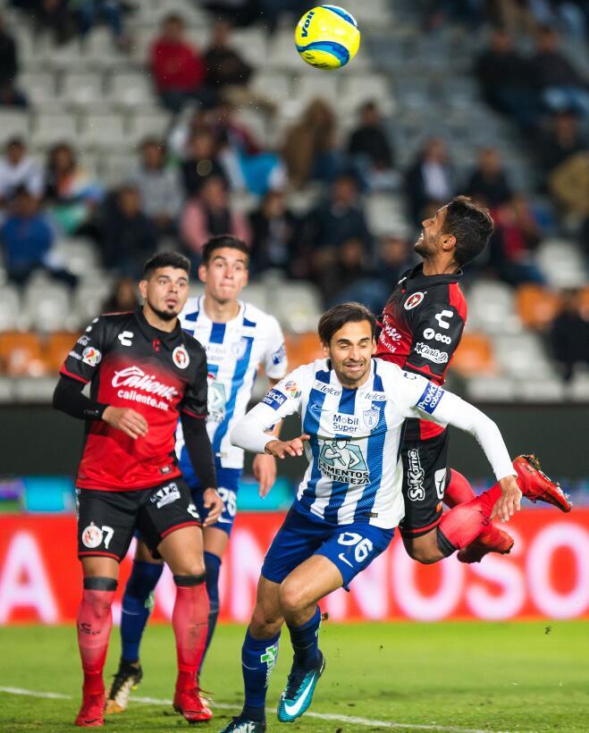 En fotos: Pachuca repite triunfo y regresa a la pelea en el Clausura 201...