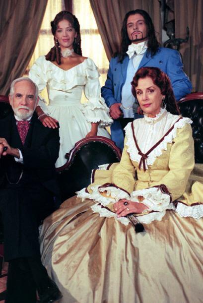"""En el 2003 Adela encabezó el elenco de """"Amor Real""""."""