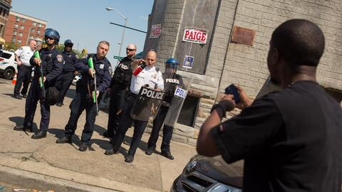 Las cámaras corporales para policías pueden registrar disp...