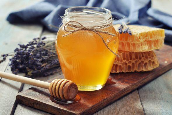 No puede faltar la miel en tu casa durante estos días, ni tampoco las fr...