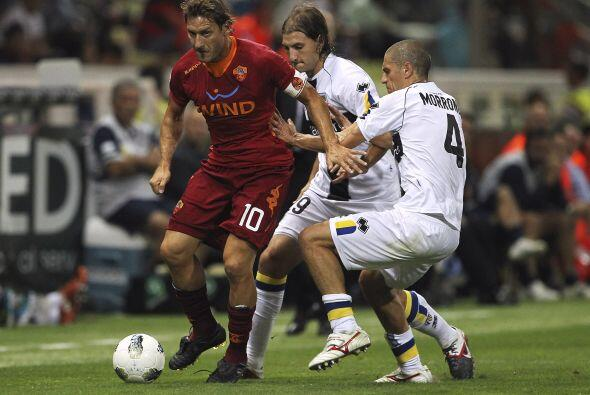 La Roma se metió al estadio del Parma con la urgencia de por fin saber l...
