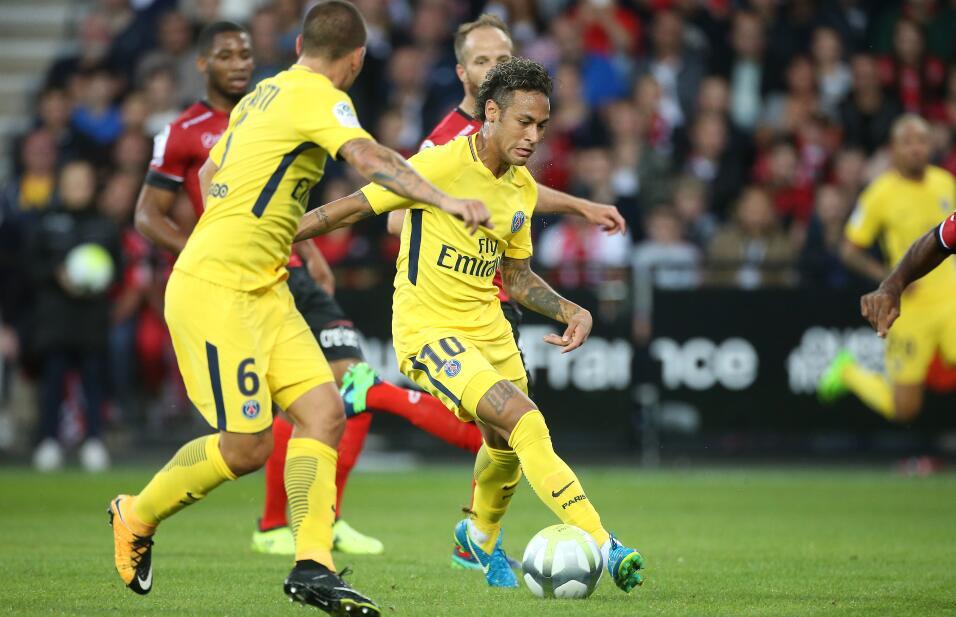Neymar tuvo debut de ensueño en triunfo del PSG GettyImages-831102666.jpg