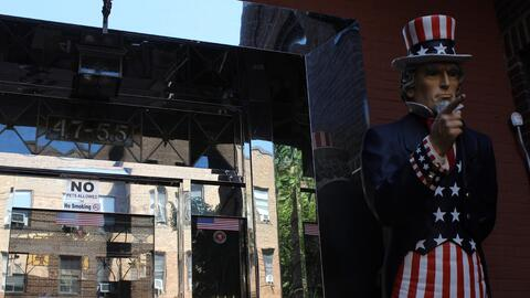 Esta es la entrada de un edificio en Sunnyside, Queens, donde los vecino...