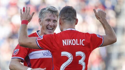 Schweinsteiger y Nikolic, protagonistas del 'cuento de hadas' de...