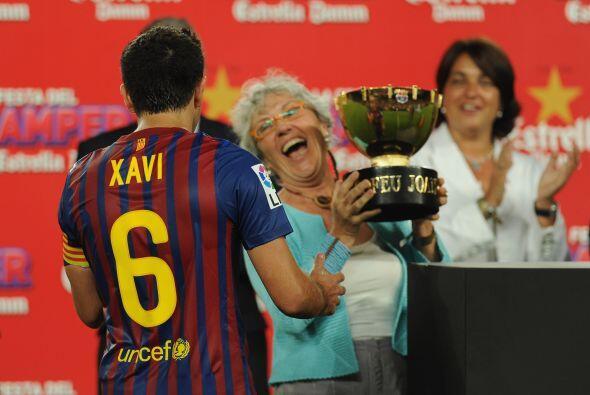 Y llegó el momento esperado, Xavi, capitán del Barcelona,...