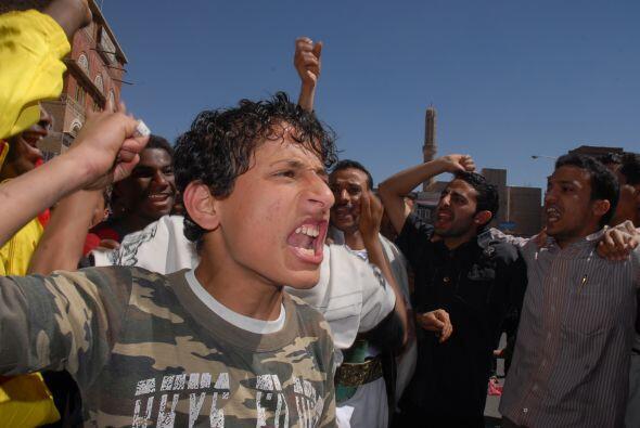 Pero las protestas no han sido exclusivas de Egipto. Decenas de miles de...