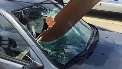 Imágenes de la destrucción que dejó el paso de un tornado en Pontiac, Illinois