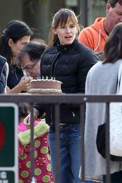 Pero Jennifer llevó un pastel para compartir. Mira aquí los videos más c...