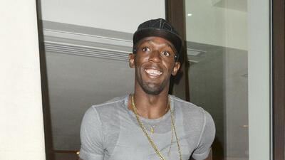 Usain Bolt sigue de fiesta con hermosas mujeres