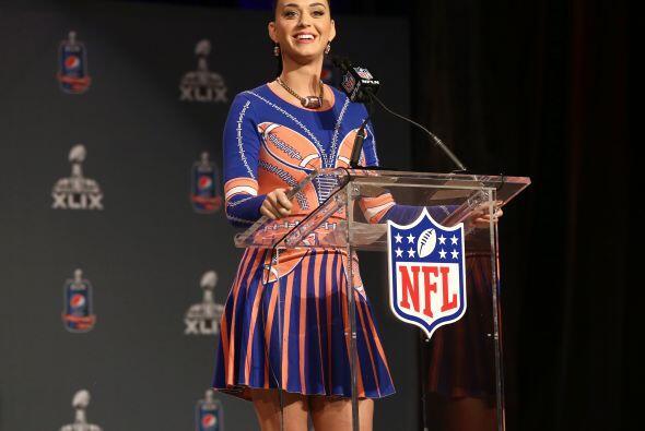 ... ella dará el único show de medio tiempo en la historia de la NFL en...