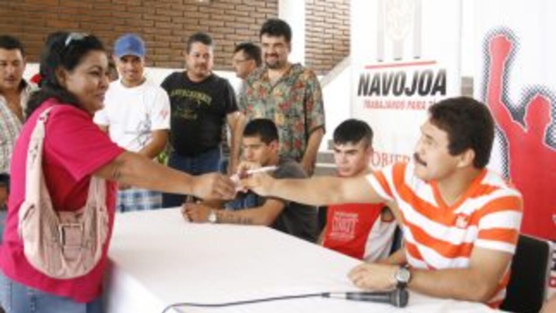 """""""Yori Boy"""" Campas convivió con la gente en Sonora (Canelo Promotions)."""