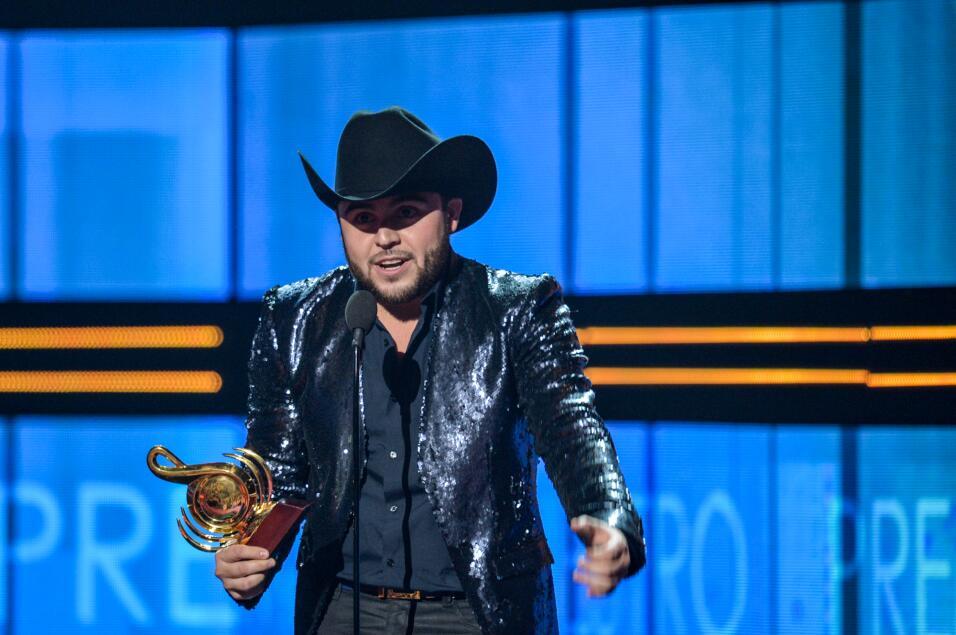 Gerardo Ortiz recibió su segundo Premio Lo Nuestro en la categoría Regio...