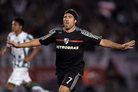 El gol de Mariano Pavone al 69 significó los tres puntos y la tranquilid...