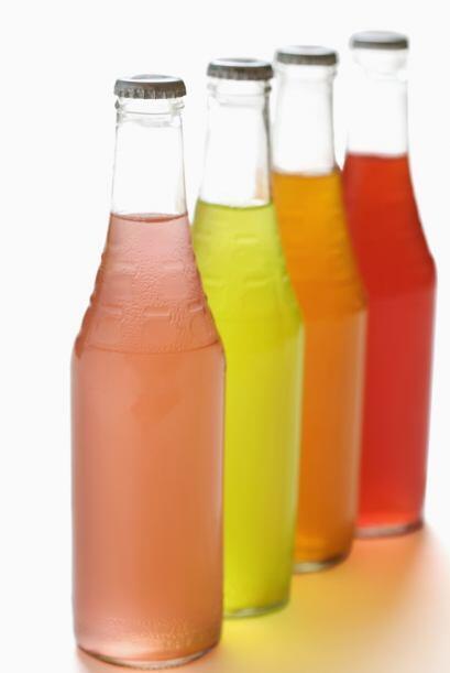 Algunos de los carbohidratos que debes limitar son sodas y otras bebidas...