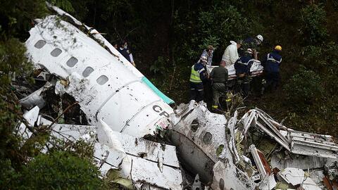 Seis personas sobrevivieron debido al hecho de que el avión no se incend...