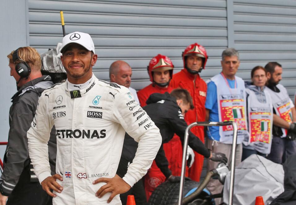 Hamilton gana en Monza y es nuevo líder, Vettel fue tercero AP Lewis Pol...