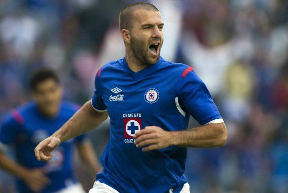 Además de Palencia Emanuel Villa fue otro de los delanteros que funciona...