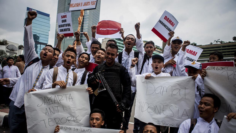 Expresiones de repudio al ataque terrorista y apoyo a la policía en Yakarta