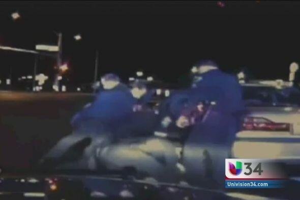 GOLPEADO EN MEDIO DE SHOCK DIABÉTICO.  Estos policías de N...