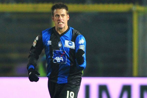 El argentino Germán Denis marcó el primer tanto del encuentro y así se c...