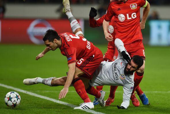 Los dos equipos aumentaron la intensidad tras el gol, provocando que las...