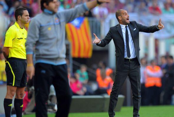 Los dos técnicos, Pochettino y Guardiola, no paraban de dar indicaciones.
