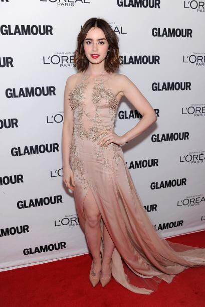 Lily Collins dejó poco a la imaginación con ese vestido.