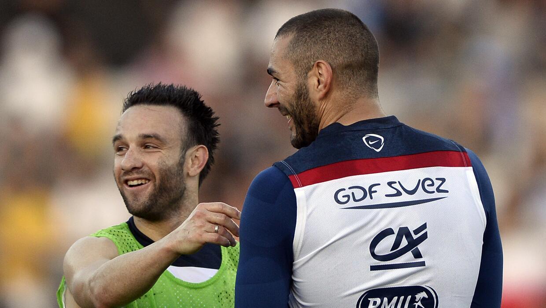 Valbuena y Benzema en un entrenamiento de Francia,