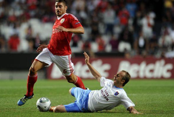 Javi García fue el héroe en el clásico de Lisboa al anotar el gol de tri...