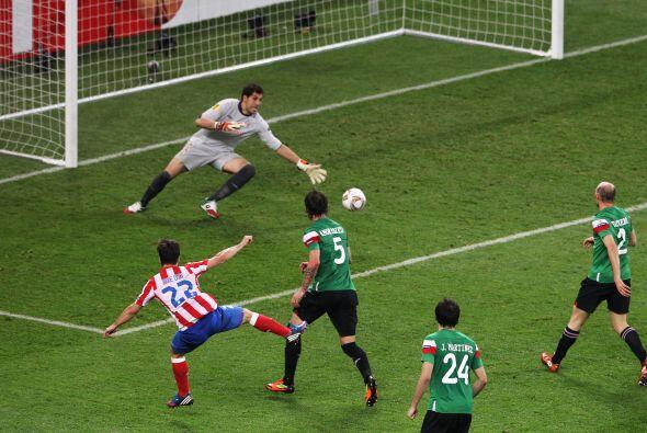 Su disparo terminó en el fondo de la red y decretó el 3 a 0 final.