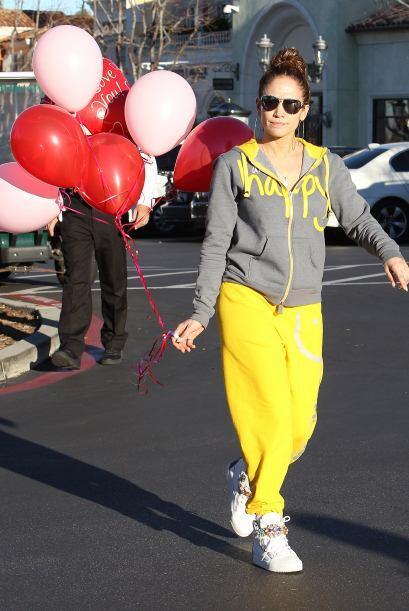 ¡Sorpresa! Compró varios globos. Mira aquí los video...