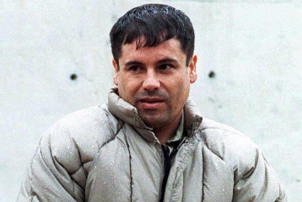 En uno de estos enfrentamientos en mayo 8 de 2008, el hijo de El Chapo G...