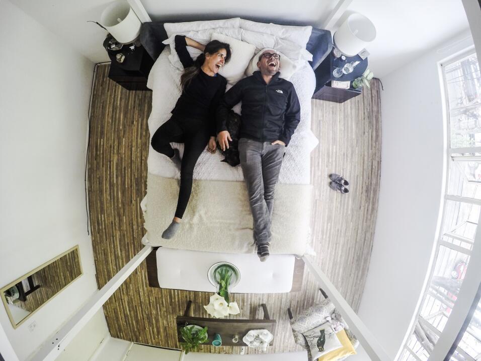 ¿Invitarías a un desconocido a tu cama? IMG_3461.JPG