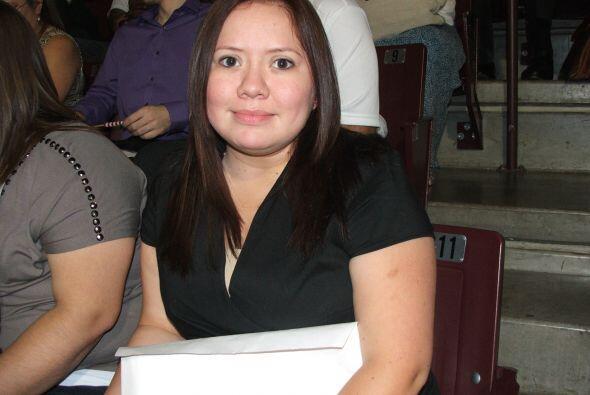 Katia  Esta joven de 25 años de edad es de origen mexicano y actualmente...