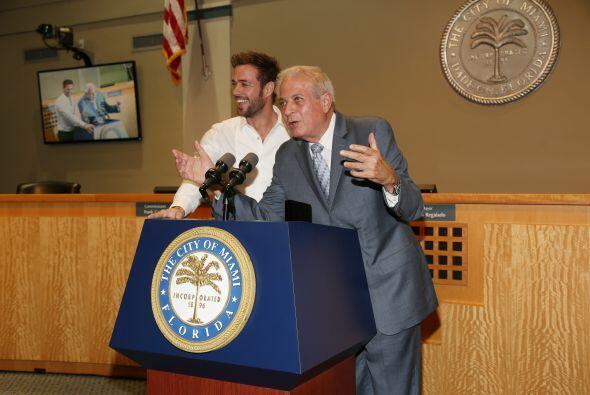 Entonces sí, llegó el momento más importante.El alcalde Tomás Regalado f...