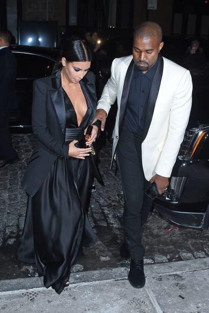 Kim Kardashian y Kanye West acudieron al cumpleaños de John Legend, dond...