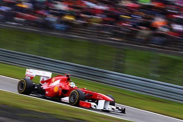 El piloto británico Lewis Hamilton (McLaren) venció con autoridad en el...