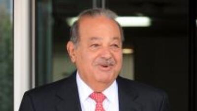 América Móvil, que incluye Telmex, es la empresa más rentable de Slim, l...
