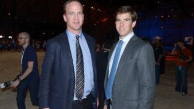 Los hermanos Manning siguen haciendo de las suyas.