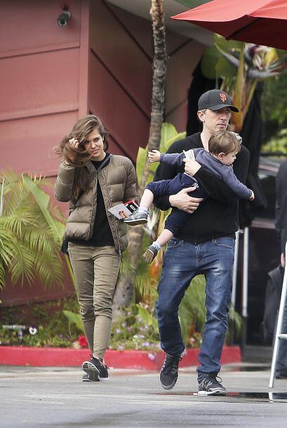 Aquí la captaron las cámaras junto al padre de su hijo y p...